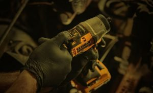 How to adjust torque on a cordless impact wrench