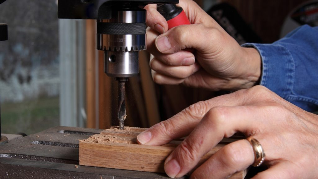 Using Drill Press to drill straight holes in wood