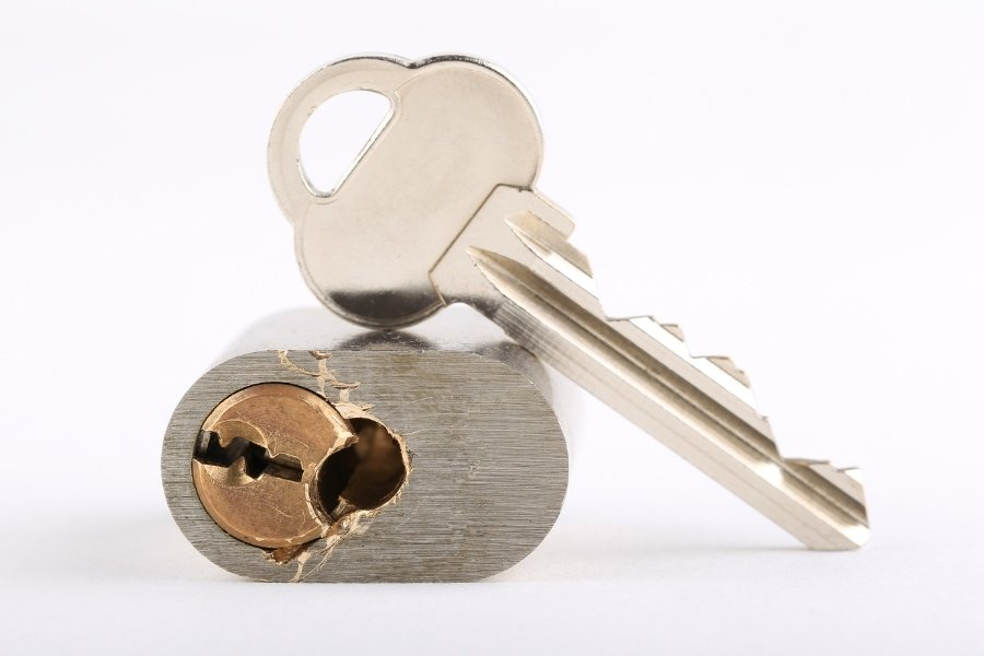 How to drill a lock cylinder